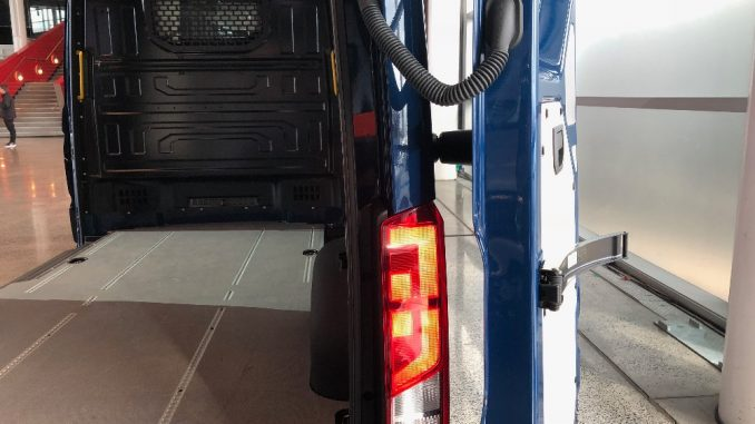volkswagen crafter 2019 rear barn doors