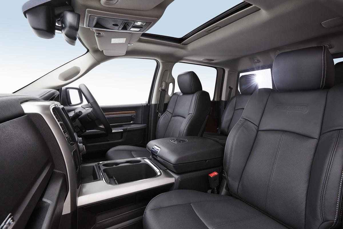 RAM 1500 Laramie front seats