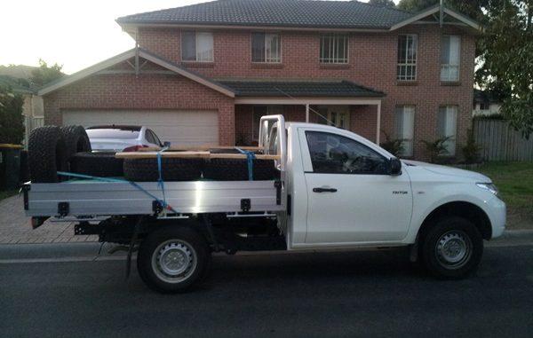 Mitsubishi Triton 2wd single cab load 3
