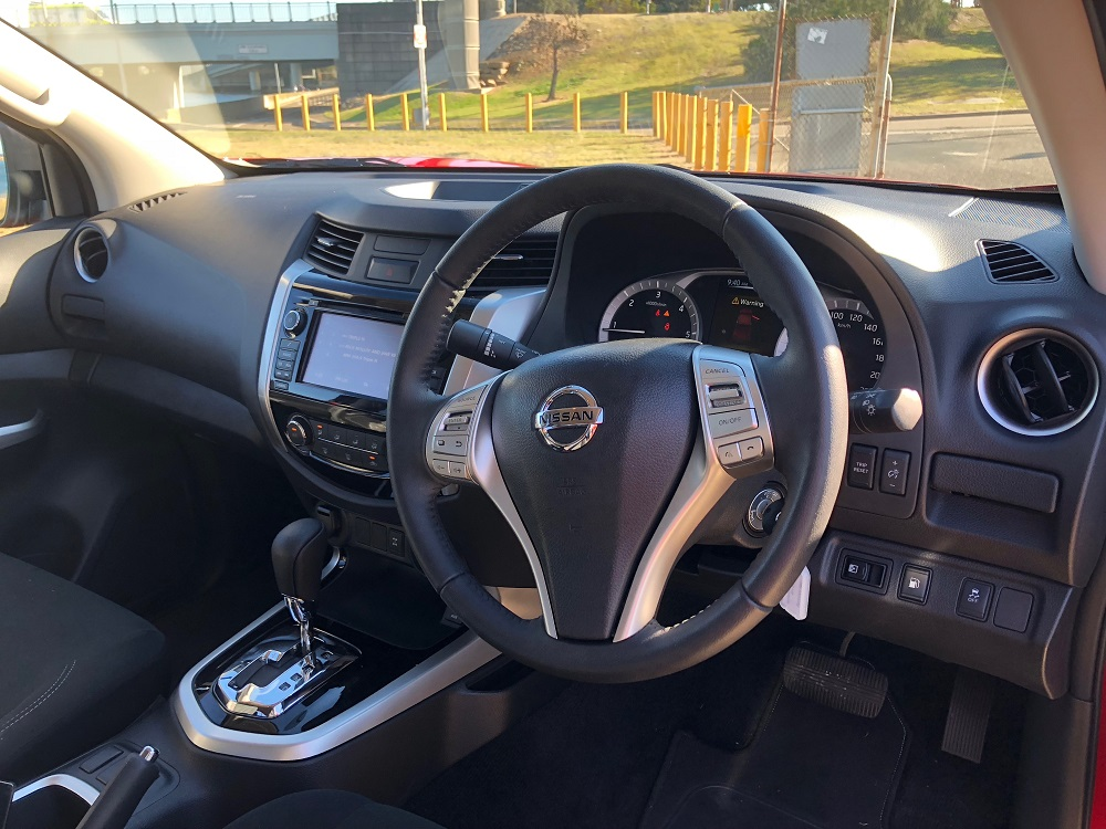2018-nissan-navara-st-interior | Ute and Van Guide