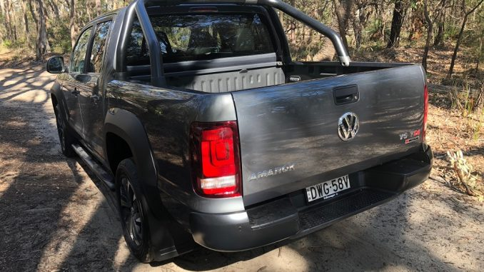 2018 volkswagen amarok dark label rear