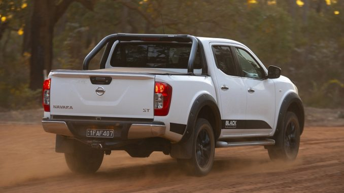 2018 nissan navara black edition rear side