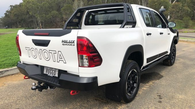 2018 toyota hilux rugged side and rear