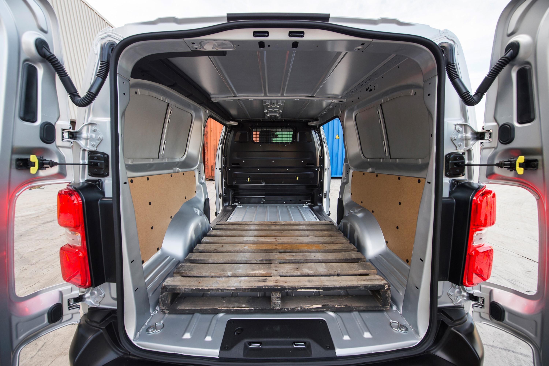 2019 Peugeot Expert 12 capacity