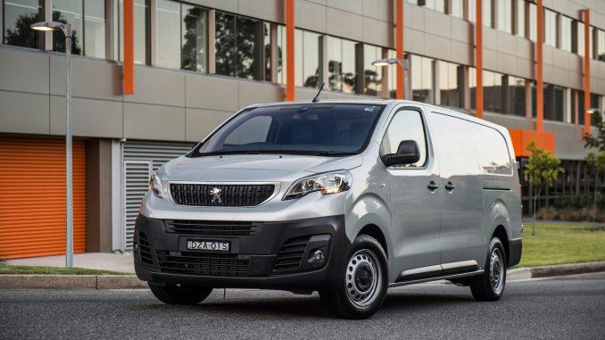 2019 Peugeot Expert 2 front qtr