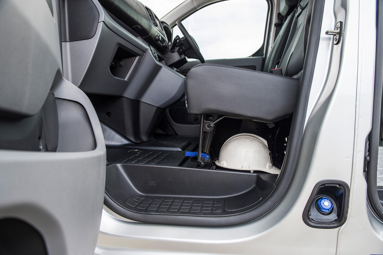 2019 Peugeot Expert 4 underseat storage