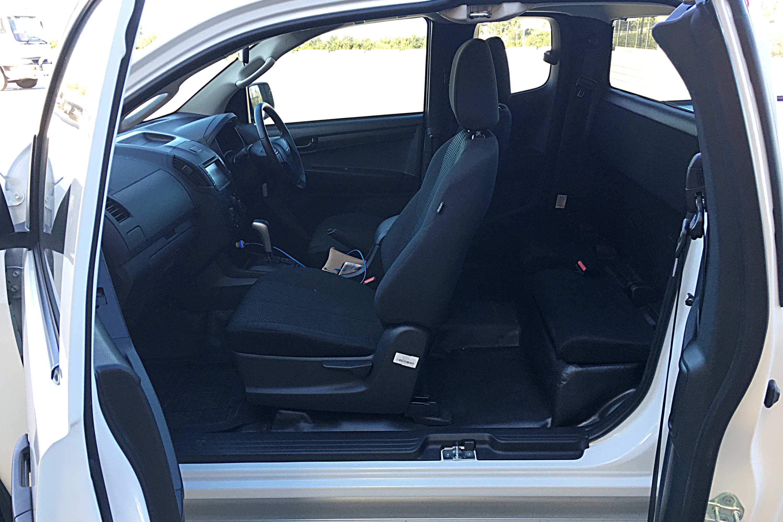 2020 Isuzu D-MAX SX 4X2 Space Cab Ute 4 interior