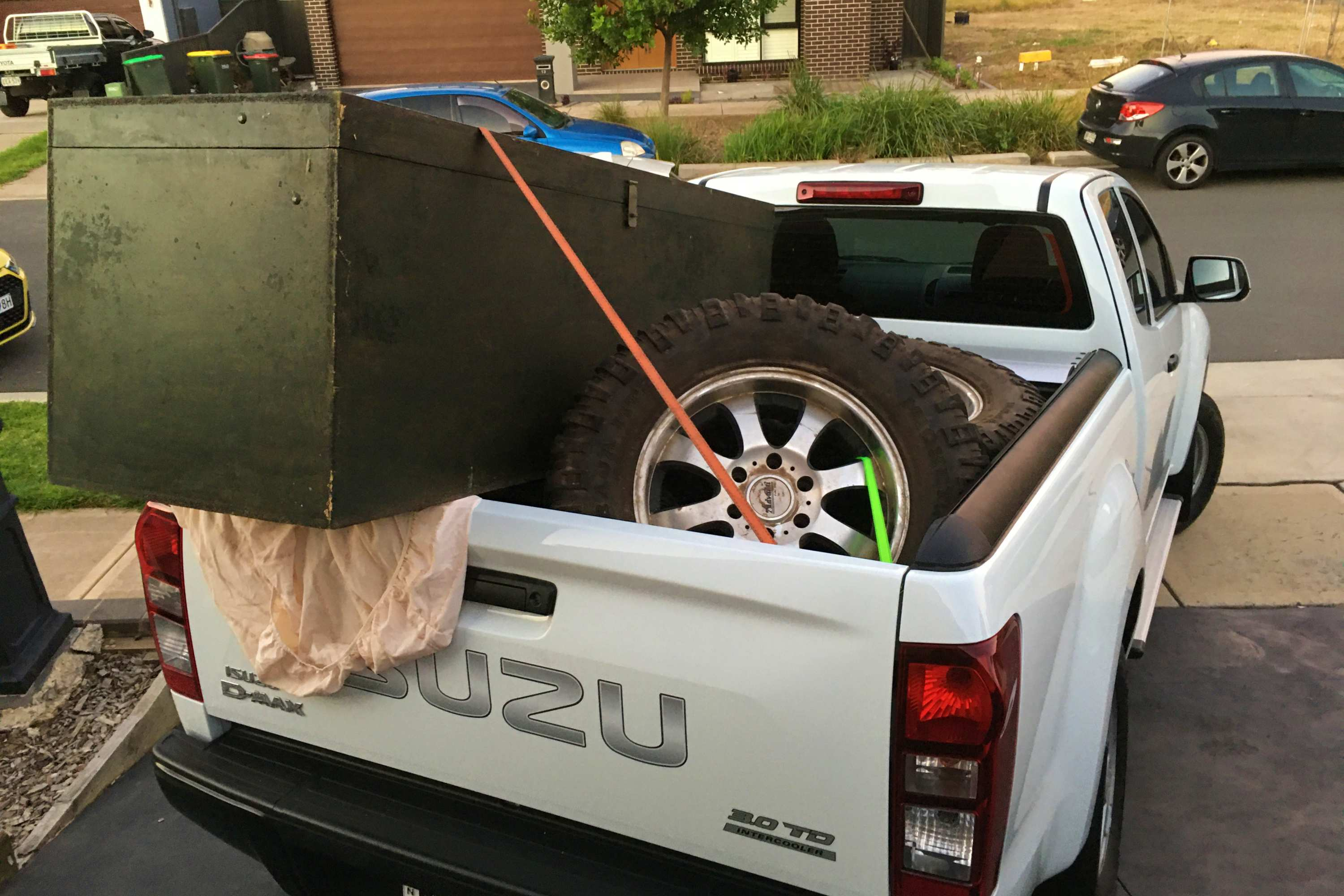 2020 Isuzu D-MAX SX 4X2 Space Cab Ute 8 Tub load