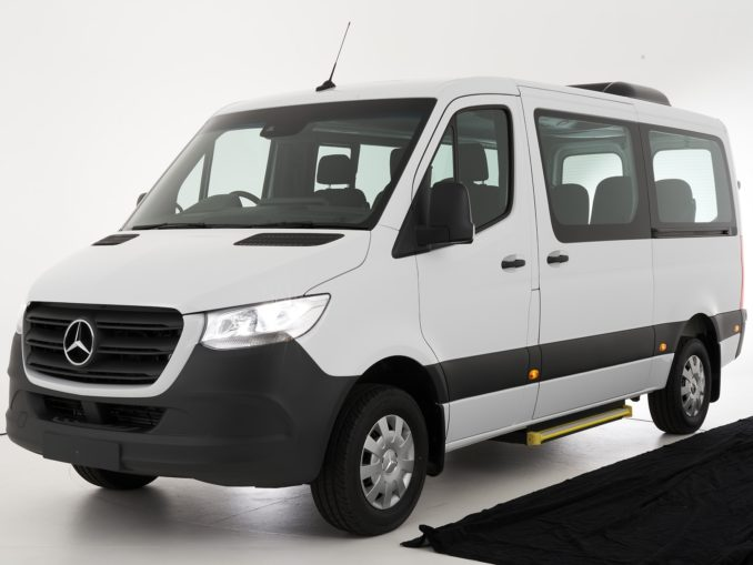 Mercedes Benz SPRINTER Transfer 12 seat bus