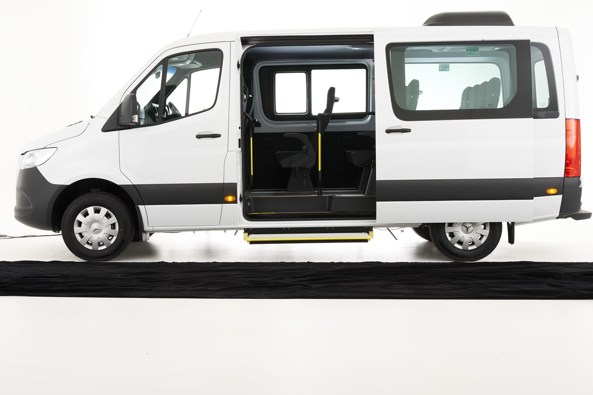 Mercedes Benz SPRINTER Transfer 12 seat bus