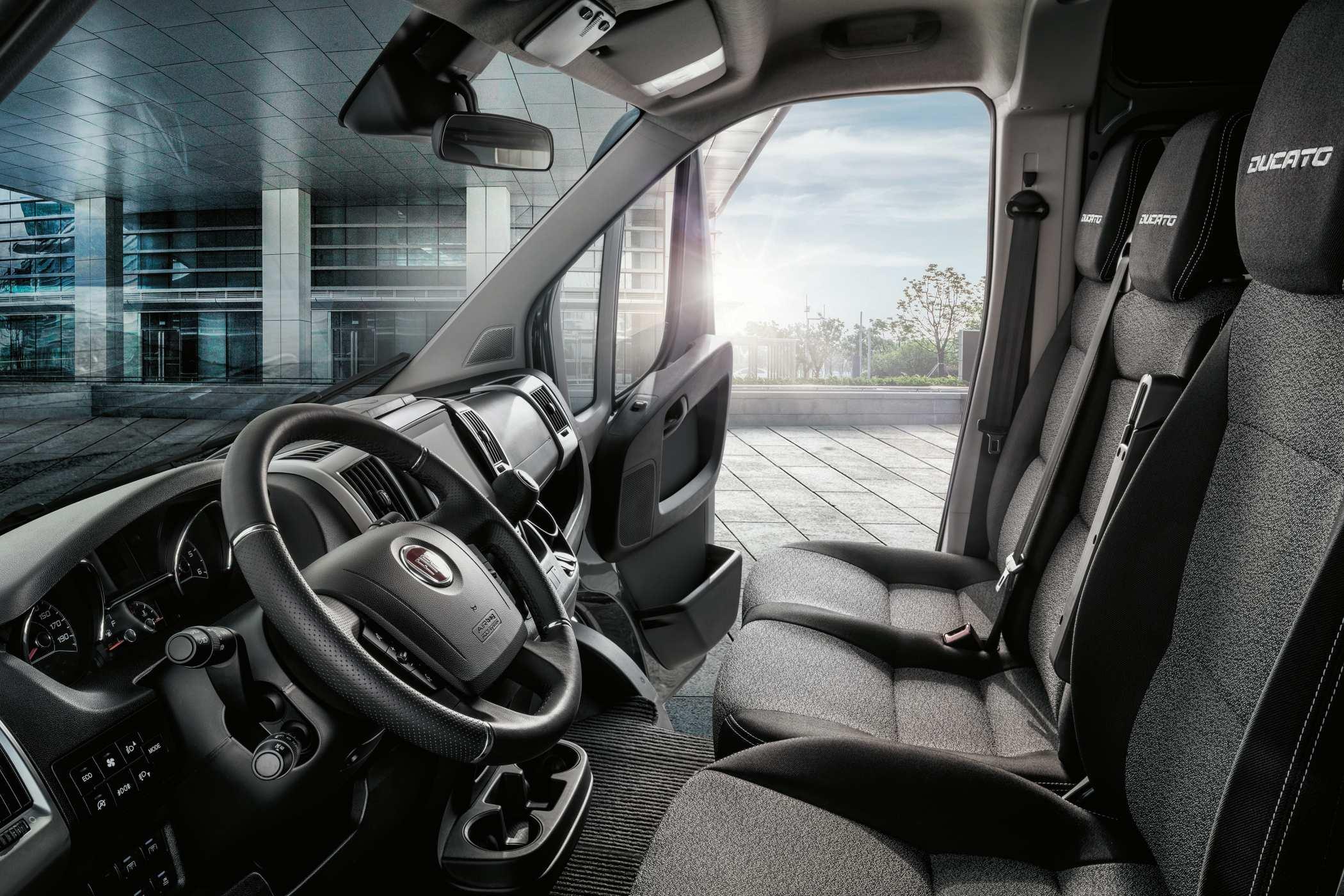 2020 Fiat Professional Ducato seats 2