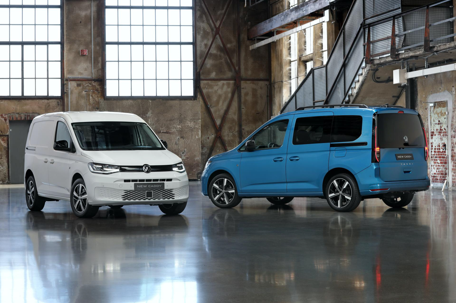 2021 Volkswagen Caddy revealed, low specification model features black plastic bumpers.