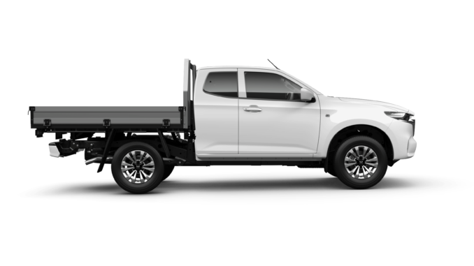 Mazda BT-50 Freestyle CabChassis_XT4x4_IceWhite_Side_3500_RGB