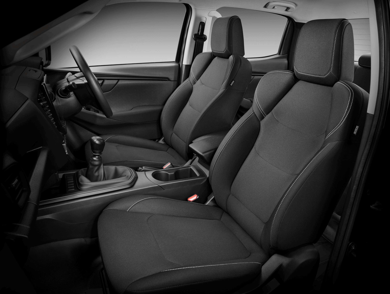Isuzu D-MAX Space Cab front seats
