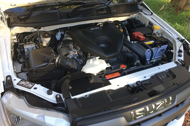 2021 Isuzu D MAX SX Crew Cab 4WD Ute engine
